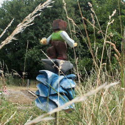 PONGELZ Skulpturen: Ambossurfer