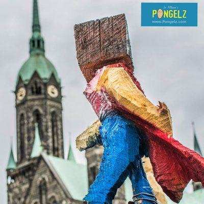 PONGELZ Skulpturen: Superhero